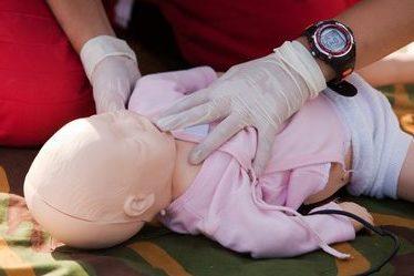 Premiers secours, secourisme, enfant, jeunes enfants, petite enfance, SST, formation